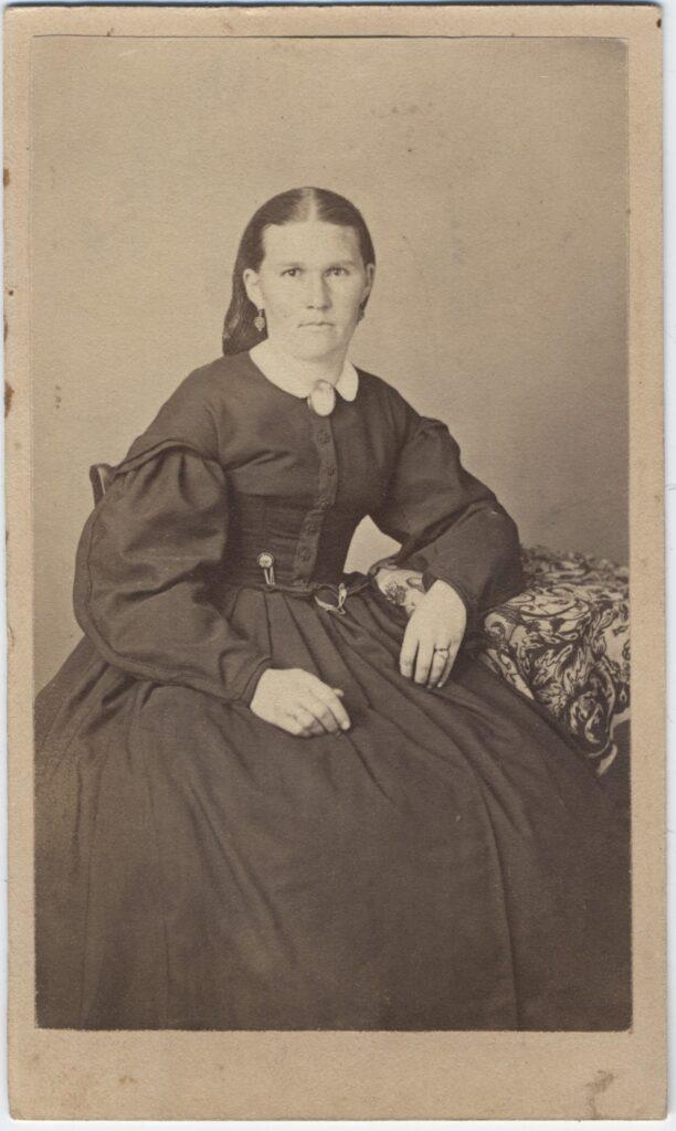 LJTP 100.165 - Samuel Root - Young Woman - c1865
