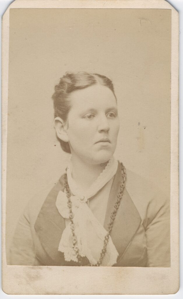 LJTP 100.171 - Samuel Root - Young Lady - c1880