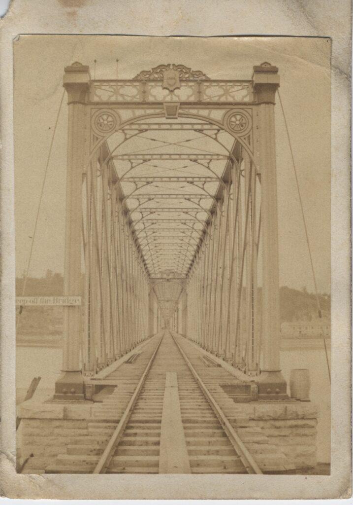LJTP 100.186 - Dunleith & Dubuque Railroad Bridge - c.1870