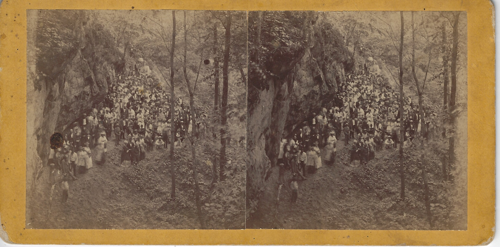 LJTP 100.260 - S. Root SAR - Picture Rock north of Dubuque - c1870